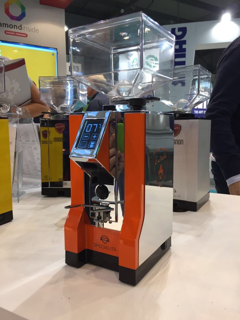Eureka-Stand-Host-Milano-2017-New-Mignon-Orange-Chrome