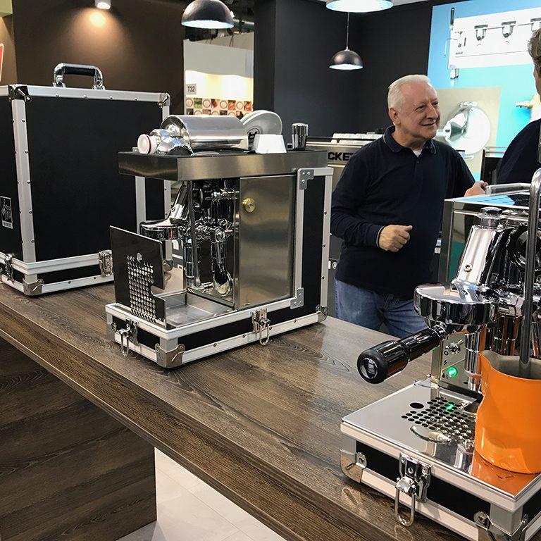 Rocket-Espresso-Host-2017-Porta-Via-stand